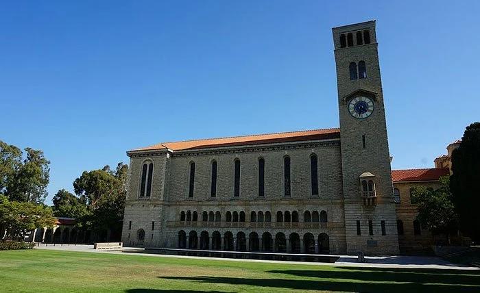 7. دانشگاه استرالیای غربی (UWA)
